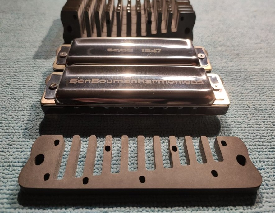 Custom comb with Thumbrest on both sides